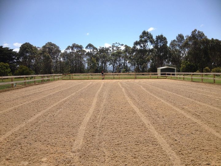 Outdoor geotextile riding arena